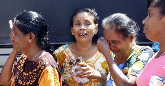 Niedzielne ataki na kościoły oraz luksusowe hotele na Sri Lance zostały przeprowadzone przez siedmiu zamachowców-samobójców - poinformował prowadzący śledztwo. W atakach zginęło co najmniej 290 osób, a ok. 500 zostało rannych.