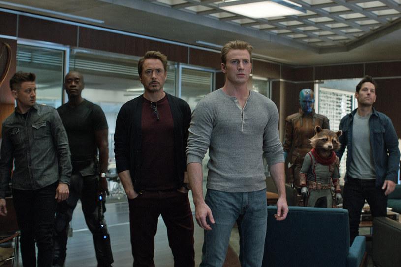 """Stężenie talentu na minutę filmu w superprodukcji """"Avengers: Koniec gry"""" bije wszelkie możliwe rekordy. Plejada najlepszych hollywoodzkich aktorów opowiada o projekcie, który zmieni historię kina."""