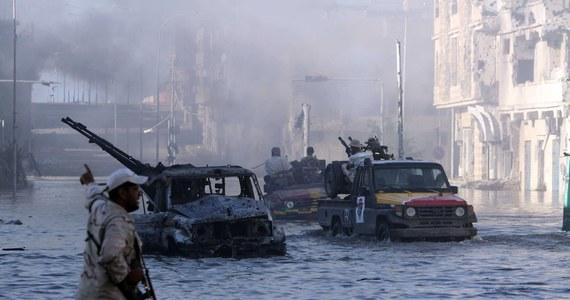 Co najmniej 264 zabitych i 1 266 rannych to dotychczasowy bilans walk w Libii, które wybuchły 4 kwietnia. Tego dnia oddziały generała Chalify Haftara ruszyły z baz na wschodzie kraju by zająć stolicę kraju.