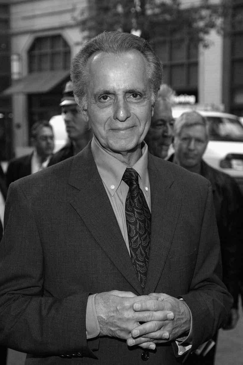 """W wieku 79 lat zmarł Mark Medoff, uznany scenarzysta filmowy i teatralny. Za sztukę """"Dzieci gorszego Boga"""" otrzymał nagrodę Tony. Później za jej filmową adaptację miał szansę na Oscara za najlepszy scenariusz adaptowany."""