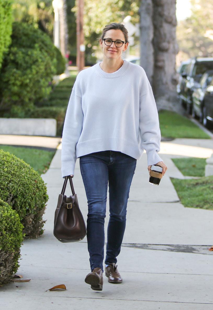 """Jennifer Garner została okrzyknięta najpiękniejszą kobietą. Magazyn """"People"""" umieścił aktorkę na szczycie corocznego rankingu 100 najpiękniejszych ludzi świata. Co gwiazda sądzi o wyróżnieniu?"""