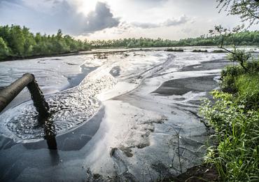 Arsen, ołów, rtęć, nikiel… Aż 14 mln ton odpadów tuż obok pól uprawnych w Krakowie