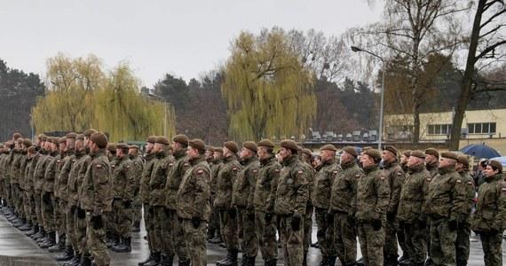 Ponad siedem tysięcy chętnych zgłosiło się do służby w Wojskach Obrony Terytorialnej. To osoby, które stawiły się na tegoroczną kwalifikację wojskową. Najwięcej rekrutów było na Kujawach i Pomorzu, Podkarpaciu oraz południowym Mazowszu.