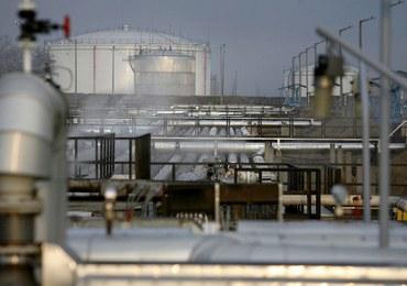 Polska uruchamia interwencyjne zapasy ropy