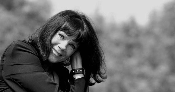Nie żyje Izabela Skrybant-Dziewiątkowska, wokalistka i liderka grupy Tercet Egzotyczny, jednego z najdłużej działających zespołów w Polsce.