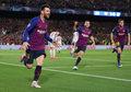 """Świat (futbolu) u stóp Messiego. Balotelli: Nie porównujcie go nawet z """"7"""" z Juventusu"""