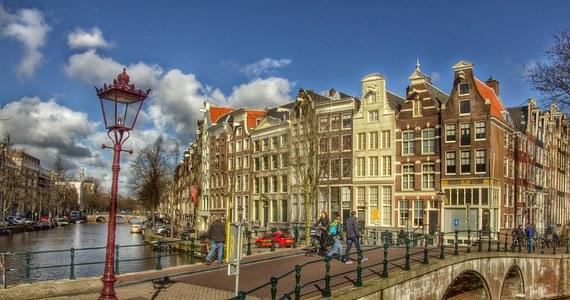 Od kilku lat mniej Polaków przyjeżdża do pracy do Holandii. Jednocześnie bardzo wzrosła wśród Polaków w Holandii świadomość praw pracowniczych. Nie dają się już tak wykorzystywać i potrafią się bronić w sądach. To ustalenia korespondentki RMF FM Katarzyny Szymańskiej – Borginon.