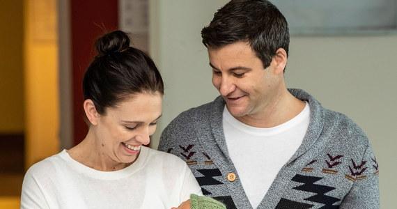 Premier Nowej Zelandii Jacinda Ardern zaręczyła się ze swoim długoletnim partnerem Clarkiem Gayfordem.