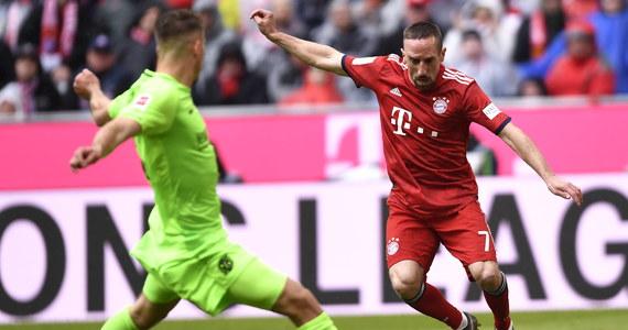 """Francuz Franck Ribery zapowiedział, że po zakończeniu obecnego sezonu odejdzie z Bayernu Monachium. Od 2007 roku 36-letni piłkarz wystąpił w ponad 400 spotkaniach i zdobył z tym klubem 21 trofeów. """"Nie będzie łatwo się pożegnać"""" - przyznał."""
