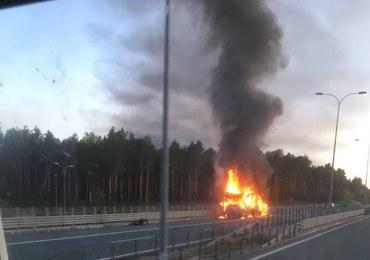 Pożar samochodu na autostradzie A1. Zapaliła się ciężarówka z końmi