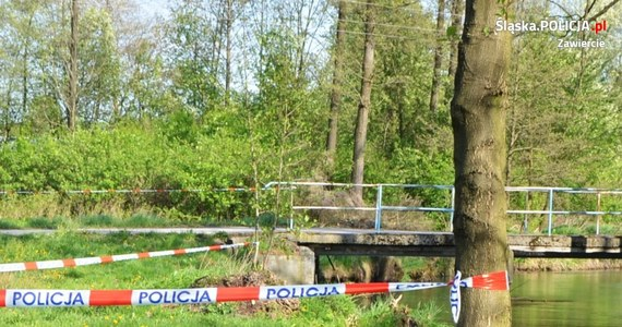 Policja odnalazła matkę noworodka, którego ciało kilka dni temu odkryto w rzece niedaleko Szczekocin w Śląskiem. Matką jest 17-latka, która mieszka w małej miejscowości w powiecie zawierciańskim.