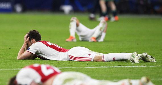 """""""Sen Amsterdamu zmienił się w koszmar"""", """"pozostaje ogromny kac"""", """"szalona końcówka wszystko zniszczyła"""" - tak holenderskie media komentują rewanżowy pojedynek półfinału Ligi Mistrzów w Amsterdamie, w którym Ajax przegrał z Tottenhamem Hotspur 2:3 i pożegnał się z tymi najbardziej prestiżowymi klubowymi rozgrywkami w Europie. Decydujący gol padł w doliczonym czasie gry."""
