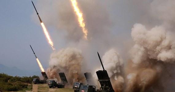 Korea Płn. wystrzeliła w czwartek niezidentyfikowane pociski z obszaru, na którym znajduje się jedna z jej baz rakietowych - podała agencja Yonhap, powołując się na południowokoreańskie wojsko. Była to druga próba w ciągu ostatniego tygodnia.