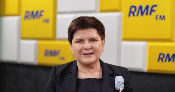 """""""Tak to jest w życiu polityka, że bardzo często trzeba podejmować nowe wyzwania. Skoro jest takie oczekiwanie, jest taka potrzeba… Muszę też powiedzieć, że są to nowe doświadczenia, które chciałabym w tej chwili realizować"""" - tak Beata Szydło odpowiedziała na pytanie Krzysztofa Ziemca w RMF FM o to, dlaczego zdecydowała się kandydować do Parlamentu Europejskiego. Wskazała również na """"doświadczenia, które wypływają z mojej pracy w fotelu premiera, kiedy miałam okazję bardzo mocno uczestniczyć w sprawach toczących się w Brukseli"""". """"Wiem doskonale, że potrzebna tam jest dobrze przygotowana, zdeterminowana do obrony polskich interesów ekipa rządowa"""" - zaznaczyła wicepremier."""