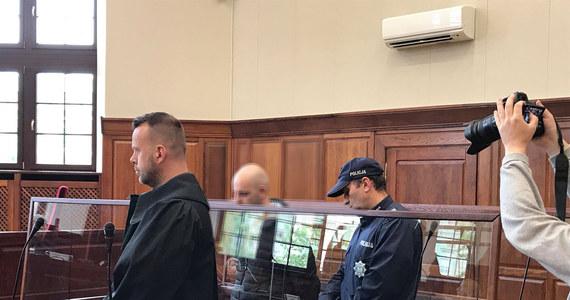 Wyrok 25 lat więzienia usłyszał Mateusz K., który w maju 2017 roku w brutalny sposób zabił swoją 40-letnią partnerkę.