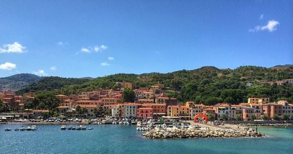 Jeśli urlop w maju na włoskiej wyspie Elba zostanie popsuty przez deszcz, turyści otrzymają zwrot pieniędzy za hotel - to inicjatywa miejscowego wydziału do spraw turystyki. Pobyt w hotelu będzie gratis, jeśli opady potrwają ponad dwie godziny w ciągu dnia.