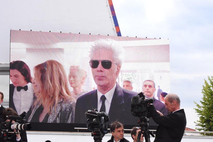 """Chociaż festiwal w Cannes jest jednym z najważniejszych wydarzeń w świecie filmu, jego niechlubną tradycją stały się nieudane filmy otwarcia. Wystarczy przypomnieć te z poprzednich lat: """"Wszyscy wiedzą"""" Asghara Farhadiego, """"Kobiety mojego życia"""" Arnauda Desplechina i """"Śmietanka towarzyska"""" Woody'ego Allena okazały się zawodem dla widzów i krytyków. Czy """"The Dead Don't Die"""" Jima Jarmuscha jest wyjątkiem od reguły?"""