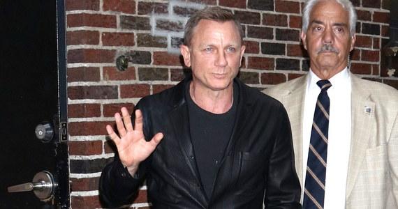 Daniel Craig doznał kontuzji podczas zdjęć do najnowszego filmu o Jamesie Bondzie. Jak informuje Onet, aktor ma wkrótce jednak wrócić na plan.
