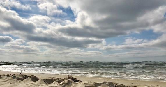 Prokuratura Rejonowa w Gryficach wszczęła śledztwo w sprawie zatonięcia kutra na Bałtyku. 10-metrowa łódź zatonęła z poniedziałku na wtorek kilka mil morskich od portu w Mrzeżynie.
