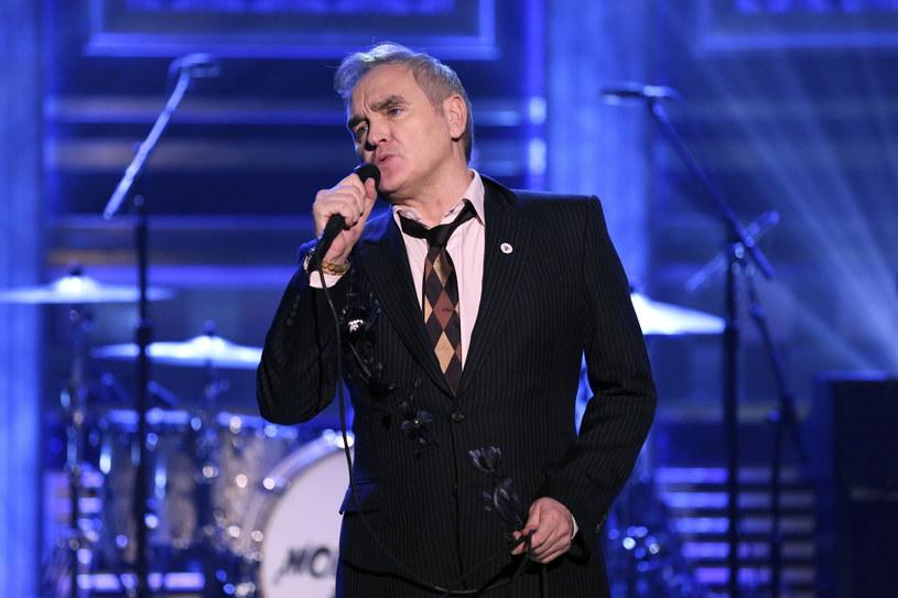 Morrisey i Jimmy Fallon znaleźli się w ogniu krytyki po tym, jak muzyk wystąpił w programie z przypinką skrajnie prawicowej, brytyjskiej partii For Britain.