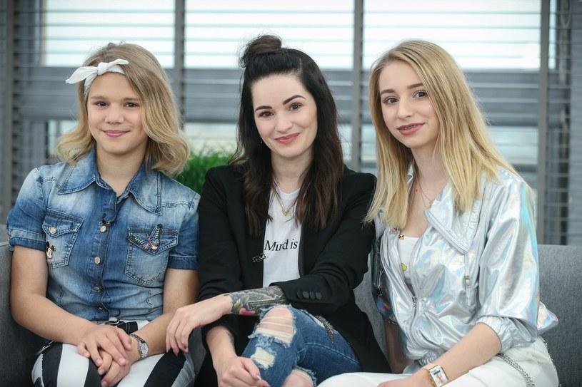 """W studiu """"Dzień dobry TVN"""" wokalistka Ewelina Lisowska pojawiła się ze swoimi dwiema młodszymi siostrami. Czy Aleksandra i Alicja pójdą w jej ślady?"""