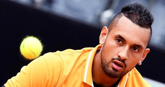 Znany z wybuchowego temperamentu tenisista Nick Kyrgios został zdyskwalifikowany podczas meczu 2. rundy turnieju ATP w Rzymie (pula nagród 5,2 mln euro). 24-letni Australijczyk w geście frustracji wrzucił plastikowe krzesło na kort.
