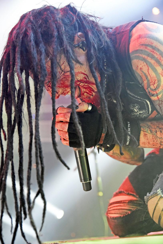 Groovemetalowcy z amerykańskiej grupy Hellyeah opublikują pod koniec września szósty longplay.