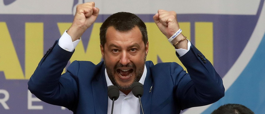 """Wicepremier Włoch Matteo Salvini podczas wiecu w Mediolanie oświadczył, że trzeba """"wyzwolić Europę spod nielegalnej okupacji zorganizowanej w Brukseli przed laty"""". Cytował też słowa św. Jana Pawła II o Europie."""
