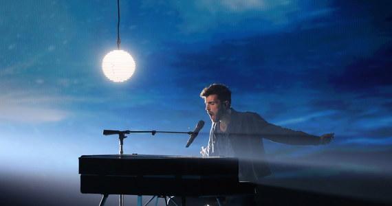 """Reprezentujący Holandię Duncan Laurence wygrał tegoroczny Konkurs Piosenki Eurowizja 2019. Zainteresowanie dziennikarzy wzbudził teledysk do jego piosenki. Niektórzy zarzucają Laurence'wi, że w filmie w scenie w basenie zastąpił go dubler. """"To moja pupa"""" – zapewnił."""