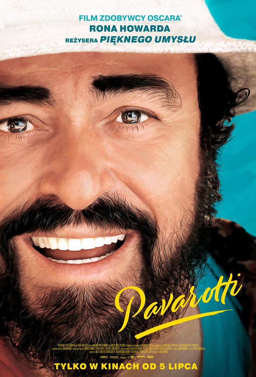"""Jest już plakat do filmu """"Pavarotti"""" - niezwykle intymnego portretu najbardziej ukochanego śpiewaka operowego wszech czasów. """"Niektórzy mają talent do śpiewu operowego. Luciano Pavarotti był operą"""" - mówił o nim Bono."""