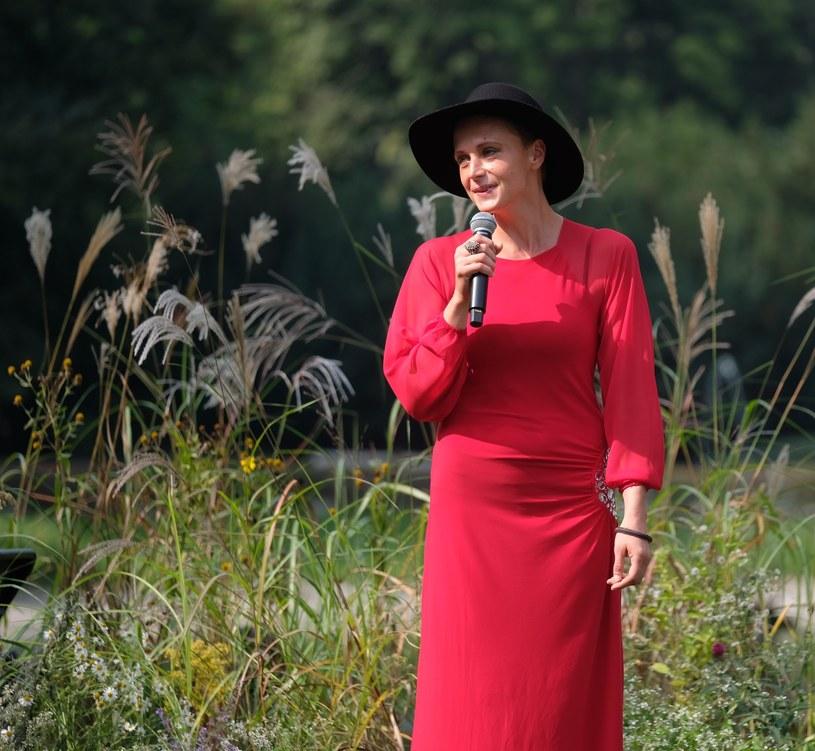 W związku ze złamaniem regulaminu, Natalia Sikora została wycofana z konkursu Premiery tegorocznego 56. Krajowego Festiwalu Polskiej Piosenki w Opolu.