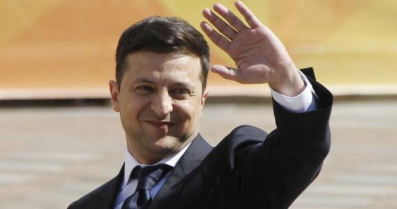 Nowo wybrany prezydent Ukrainy Wołodymyr Zełenski złożył przysięgę prezydencką. Zaraz po tym poinformował o rozwiązaniu Rady Najwyższej, czyli parlamentu ukraińskiego.