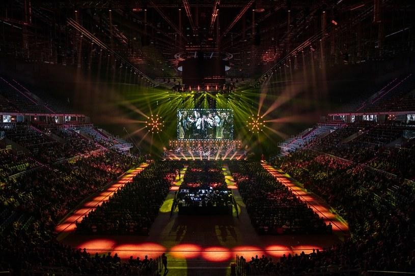 """12. edycja Festiwalu Muzyki Filmowej zakończyła się 19 maja wieczorem widowiskowym koncertem """"The Glamorous Show"""" w w krakowskiej TAURON Arenie. W tegorocznych koncertach i wydarzeniach festiwalowych wzięło udział prawie czterdzieści tysięcy widzów."""