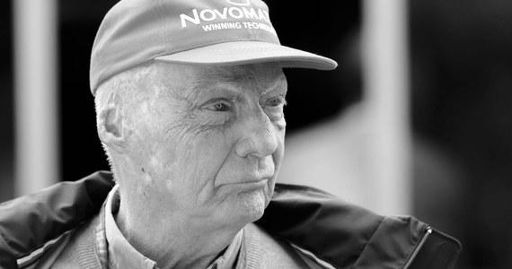 W wieku 70 lat zmarł trzykrotny mistrz świata Formuły 1 Niki Lauda - poinformowały agencje, powołując się na źródła rodzinne. Niki Lauda ostatnio przebywał w prywatnej klinice w Szwajcarii, gdzie trafił z powodu problemów z nerkami.