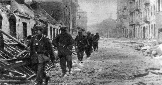 """Niemiecki """"Die Welt"""" ostrzega, że spory o reparacje wojenne mogą doprowadzić do wzrostu niechęci wobec pracowników z Polski w RFN. Z podobnymi konsekwencjami muszą liczyć się też Grecy. Gazeta przekonuje, że nawet dyskusje na ten temat są szkodliwe."""