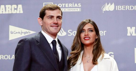 """To niełatwy czas w rodzinie Ikera Casillasa. Wkrótce po tym, jak legendarny golkiper przeszedł atak serca, jego żona Sara Carbonero przekazała w poruszającym wpisie na Instagramie wiadomość o swojej groźnej chorobie. """"Lekarze wykryli u mnie złośliwego guza jajnika i miałam operację"""" - napisała dziennikarka."""