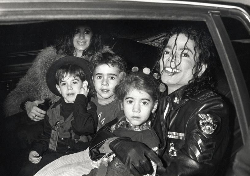 Aaron Carter przyznał, że Michaelowi Jacksonowi zdarzyło się raz zachowywać się wobec niego niestosownie.