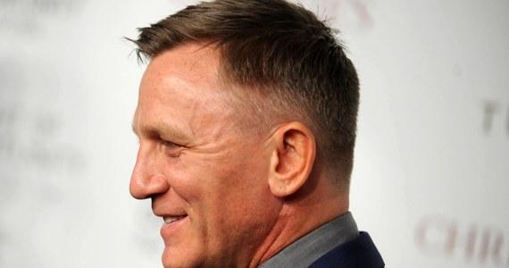 Jest oficjalny komunikat dotyczący kontuzji Daniela Craiga na planie nowego filmu o Jamesie Bondzie. Potwierdzają się informacje medialne mówiące o tym, że aktor ma problemy z kostką. Czeka go niewielki zabieg, a później rehabilitacja.