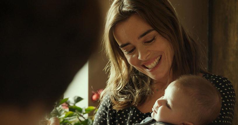 """""""Wymarzony"""" to wzruszająca i pełna humoru """"opowieść o wielkiej miłości do maleńkiego człowieka, która nadaje sens życiu"""". Francuski film debiutuje na ekranach polskich kin w piątek, 24 maja."""