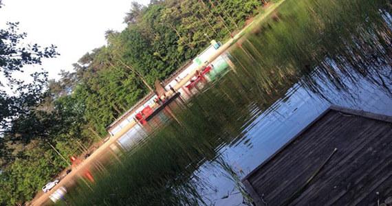 Policja i prokuratura wyjaśniają okoliczności wypadku, do którego doszło nad Jeziorem Długim koło Rzepina (Lubuskie). Utonął w nim 13-latek.