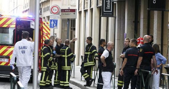 Na deptaku we francuskim Lyonie doszło do eksplozji. Policja szuka mężczyzny na rowerze, który miał podrzucić ładunek.