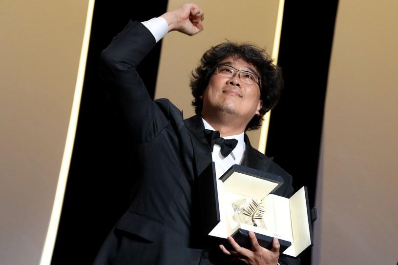 """Zakończył się 72. Międzynarodowy Festiwal Filmowy w Cannes. Główną nagrodę, Złotą Palmę, otrzymał Joon-Ho Bong za """"Parasite"""". Wśród nagrodzonych znaleźli się artyści typowani przez analityków, nie obyło się jednak bez niespodzianek. Podczas ceremonii nie zabrakło także polityki."""