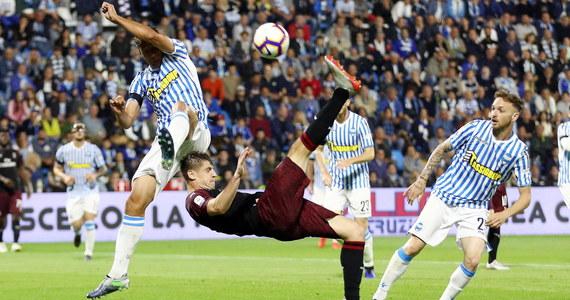Wypożyczony z Fiorentiny do Empoli Bartłomiej Drągowski obronił rzut karny, ale jego zespół przegrał na wyjeździe z Interem Mediolan 1:2 i spadł z włoskiej ekstraklasy piłkarskiej. Z kolei Milan Krzysztofa Piątka zakończył sezon na piątym miejscu.