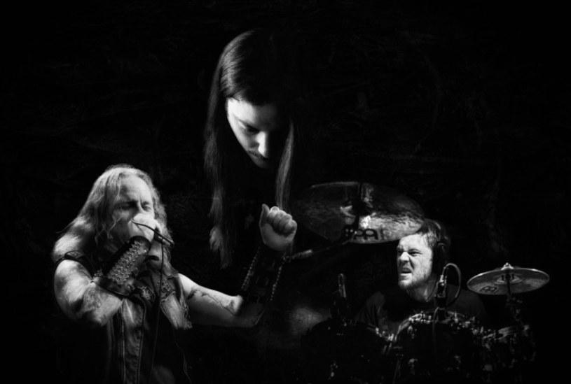 Pochodzący z San Francisco, międzynarodowy projekt Howling Sycamore zarejestrował drugi album.