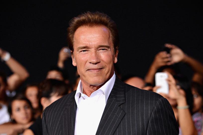 Dla Arnolda Schwarzeneggera nie ma rzeczy niemożliwych, co gwiazdor udowadniał już wielokrotnie. Aktualnie, wraz z Andreasem Gabalierem, nagrał on piosenkę motywacyjną, której możecie posłuchać poniżej.
