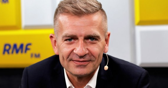 """""""Toczyliśmy ciężki bój. Pogratulowałem ( regionalnie - przyp.red )  Joachimowi Brudzińskiemu. Jest twardym politykiem. Nie zawsze kampania była czysta, ale gratuluję"""" - mówi były minister zdrowia w rządzie PO-PSL Bartosz Arłukowicz, który w wyborach do PE zdobył 240 tysięcy głosów. Pytany, czy pogratuluje PiS wygranej, gość Roberta Mazurka mówi: wygrali, szacun. Następnym razem przegrają - podkreślił."""