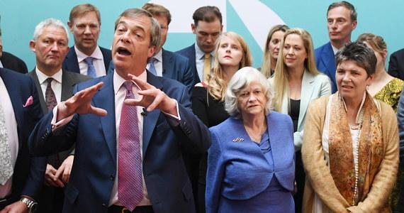 29 brytyjskich posłów z Partii Brexitu zajmie swe miejsca w europarlamencie. Wszyscy najchętniej już dziś wycofaliby Wielką Brytanię z Unii Europejskiej. Do Strasburga pojada z mieszanymi uczuciami - niechcianego obowiązku i eurosceptycznej arogancji.