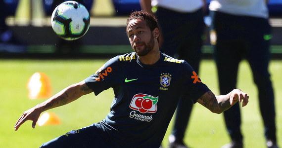 Reprezentacja Brazylii przygotowuje się do tegorocznej edycji turnieju Copa America. W czasie jednego z treningów, największa gwiazda Canarinhos, Neymar, została ośmieszona przez 19-letniego zawodnika Wevertona Guilhere. To wyraźnie nie spodobało się zawodnikowi PSG.