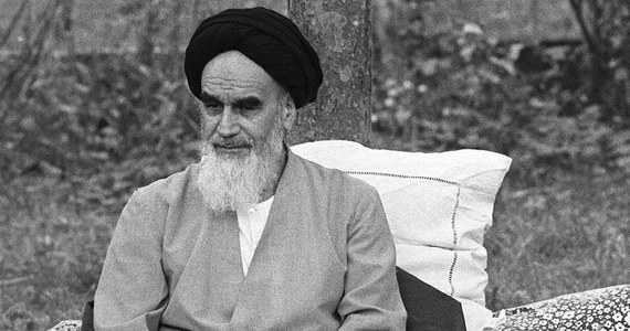 3 czerwca zmarł Ruhollah Chomejni - szyicki przywódca duchowny, przywódca rewolucji ludowej w Iranie, która doprowadziła do obalenia szacha i powstania republiki muzułmańskiej. Od 1979 roku polityczny przywódca Iranu.