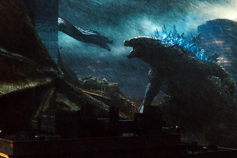 """Film """"Godzilla II: Król potworów"""" typowany jest na czerwcowego króla box office. Szacuje się, że w ciągu kilku pierwszych dni od debiutu w USA, który zapowiedziany jest na 31 maja, zarobi od 50 do 55 mln dolarów."""